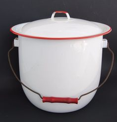 Red & White Graniteware Enamelware Bucket & Lid / Chamber Pot with Handle NICE!