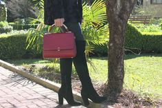Blog Caca Dorceles. 2014. Meu look: Malha de Bouclê.  Details: Mixed coat + Fabulous Agilitá leather pants + Luiza Barcelos boot + Schutz handbag.