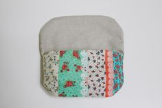 DIY Clutch Purse with a Magnet Clasp nice tutorial nice size. Make yourself a handy purse. Photo Sewing Tutorial.