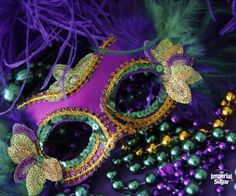 Mardi Gras recipes - We rounded up several of our favorite New Orleans recipes that are perfect for Mardi Gras, but great for a sweet treat any time of the year. Beignets, King Cake and Bourbon Chocolate Pecan Pie....you'll love serving these for dessert and your family will gobble them up. King Cake is a great brunch or breakfast treat as well. When you are planning a party - let the good times roll with these yummy recipes.