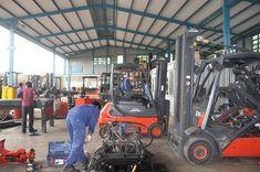 Sau một thời gian dài vận hành và làm việc thì xe nâng cũng cần phải bảo hành và sửa