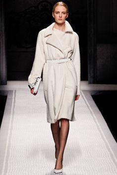 Alberta Ferretti Fall 2012 Ready-to-Wear Collection Slideshow on Style.com
