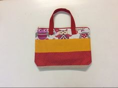 Tuto Couture Madalena.coudre Un Sac Avec Chutes De Tissu - YouTube Sewing Hacks, Sewing Tips, Beach Dresses, Lunch Box, Pouch, Bags, Elsa, Sweets, Crochet