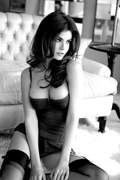 http://www.bornmodels.dk/images/grafik/modeller/female/Julia_Lescova/julialescova02.jpg