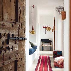 Interior inspiration from the fabulous designer Luis Galliusi's home in Ibiza. Photograph taken by Ricardo Labougle #chatsworthroad #interiordesign #ibiza #trend2016 #luisgalliussi #luisgalliussihome #ricardolabougle #styling #trend2017 #floorrunner #inspiration #designerhomes #popofcolor