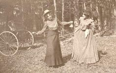 PLAYFUL VICTORIAN WOMEN c Late 1800's Early 1900's