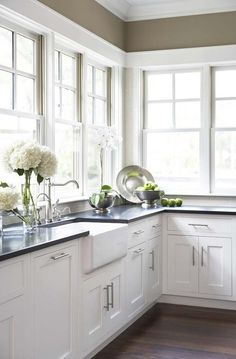 no upper cabinets, just windows...love the light!!