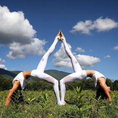 Le yoga en pleine nature des soeurs Cristen et Kimberly