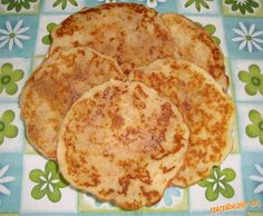 Jablkovo škoricové lievance Czech Recipes, Russian Recipes, Ethnic Recipes, Apple Dessert Recipes, What To Cook, Sweet Recipes, Czech Food, Sweets, Cooking