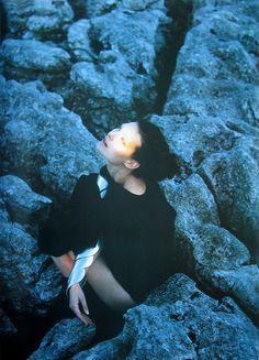 ejakulation:    Shalom Harlow by Carter Smith for i-D, October 1998