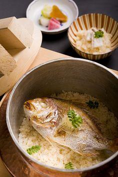 鯛ご飯 Japanese Dishes, Japanese Food, Japanese Meals, Sushi Co, Iron Chef, Rice Dishes, Food Photo, Asian, Curry