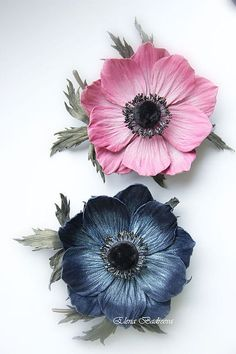 Buy or order an Anemone leather brooch & # Indigo & # in the online store at the Fair of Masters. Anemone leather brooch & # Indigo & # A graceful Anemone flower with leaves on a stalk Polymer Clay Flowers, Ceramic Flowers, Fondant Flowers, Sugar Flowers, Anemone Flower, Flower Art, Crepe Paper Flowers, Fabric Flowers, Giant Flowers