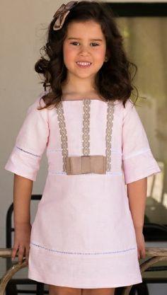Vestido niña BABINE Bb. Talla 3 años.  Precio: 64.90€ AHORA 45€   http://www.modainfantilpequeplace.es/modapequeplace/c280686/3-anos---36-meses.html
