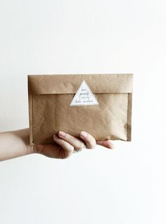 Merry thought suggests three marvelous gift wrapping ideas. These will make your personal gifts so outstanding! Paper Packaging, Brand Packaging, Packaging Design, Gift Packaging, Organic Packaging, Packaging Ideas, Brown Envelopes, Paper Envelopes, Craft Gifts