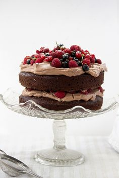 CHOCOLATE CAKE WITH MASCARPONE CREAM