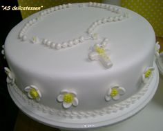 Nuevas Tendencias en Decoración de Tortas: Tortas para Primera Comunión. First Holy Communion Cake, Religious Cakes, Pan Dulce, Mini Cakes, Baby Shower Cakes, Beautiful Cakes, Cake Decorating, Birthday Cake, Sweets