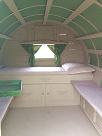 caravan design 561894490978221245 - Inside restored English Gypsy caravan Source by mercedesaluja Homemade Camper, Diy Camper, Gypsy Caravan Interiors, Gypsy Trailer, Tyni House, Gypsy Home, Tiny Trailers, Gypsy Living, Covered Wagon