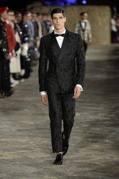 Dolce-Gabbana-Alta-Sartoria-Fall-2016-Collection-Menswear-Red-Carpet-Fashion-Haute-Couture-Runway-Tom-Lorenzo-Site (16)