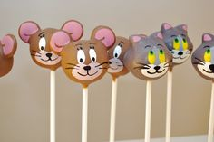 Tom and Jerry cake pops-- yum! I love cake pops AND Tom and Jerry. I'm thinking for next birthday? Tom And Jerry Cake, Tom Und Jerry, Cupcakes, Cupcake Cakes, Birthday Cake Pops, 3rd Birthday, Birthday Ideas, Spa Party Cakes, Cake Pop Decorating