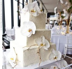square cake with flowers
