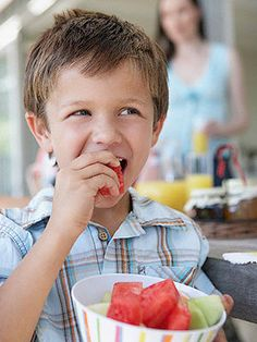 "8 Healthy Snacks for Kids with ADHD by Beth Orenstein - ""Foods that are rich in fiber and protein can help kids with ADHD stay alert, calm, and focused. Keep these easy snacks on hand for both their appetite and their ADHD. Adhd Odd, Adhd And Autism, Autism Diet, Kids Health, Oral Health, Health Snacks, Health Foods, Health Benefits, Adhd Help"