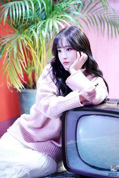 러블리즈만의 감성 '찾아가세요' : 네이버 포스트 Kpop Girl Groups, Korean Girl Groups, Kpop Girls, Group Roles, Jin Park, Lovelyz Jiae, Woollim Entertainment, Golden Child, Lost & Found
