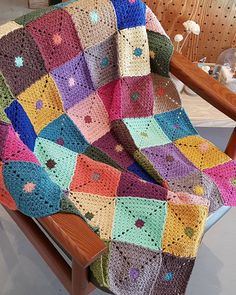 """690 Likes, 6 Comments - Granny squares (@mygrannysquares) on Instagram: """"❤❤ @isthabraq Thanks for the tag #mygrannysquares #instagram #crochet #crocheting #yarn…"""""""