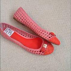 NWT Tory Burch leather open weave flats-SO pretty! New with Tag Tory Burch flats in an open weave leather with flat bow and TB logo in goldtone. Pretty shade of pink and poppy coral/red. Leather soles. SO wish these fit!! They are a 10 but I feel like these are a little snug which is why I am selling them. Tory Burch Shoes