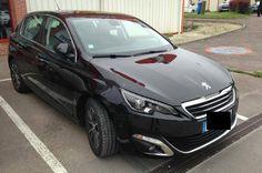 Peugeot 308 é flagrado na França em fase de testes