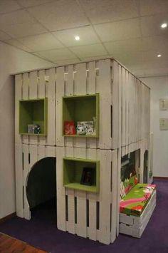 Several kidsplayhouses pallet diy