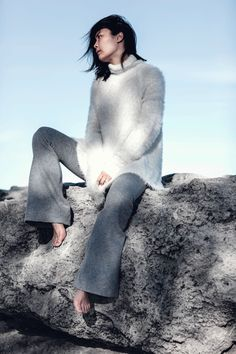 Anna Quan backless fluffy knit and tailored flared trousers  Jiawa Liu - Beige Renegade