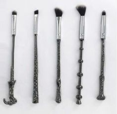 Harry potter wand makeup brush Oh... I thought these were paintbrushes......