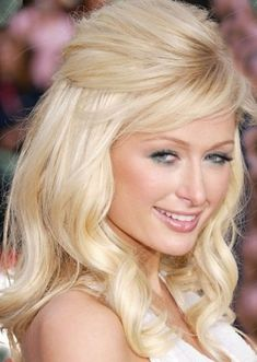 Can't stand Paris Hilton but like her hair. Can't stand Paris Hilton but like her hair. Bump Hairstyles, Square Face Hairstyles, Celebrity Hairstyles, Pretty Hairstyles, Formal Hairstyles, Wedding Hair Half, Bridal Hair, Homecoming Hairstyles, Wedding Hairstyles