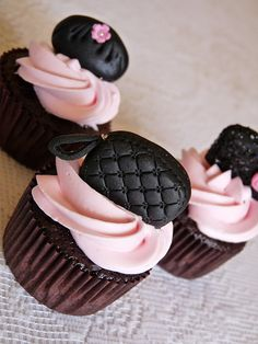handbag / purse / clutch cupcake.