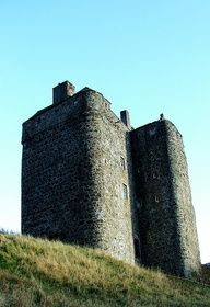 Neidpath CastlePeebles in the Borders of Scotland55.651528,-3.214778  by little_miss_piccie, via Flickr