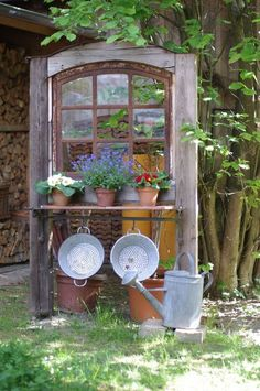 alte fenster Altes Fenster Wunderlichekunst Mehr one Garden Yard Ideas, Garden Projects, Garden Art, Wood Projects, Rustic Gardens, Outdoor Gardens, Deco Champetre, Patio Steps, Garden Doors