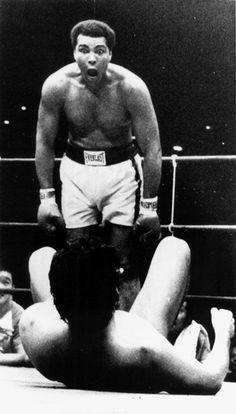 "Muhammad Ali v. Antonio Inoki - June ☚ ""you just got knocked the fuck out"" Could not help meself! Kentucky, Muhammad Ali, Sports Illustrated, Karate, Jiu Jitsu, Vive Le Sport, Laila Ali, Float Like A Butterfly, Sport Icon"