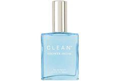 CLEAN on mutkaton tuoksusarja monimutkaisen elämän vastapainoksi. Ainutlaatuisen raikkaat tuoksut saavat inspiraationsa saippuasta. Ne ovat raikkaita, puhtaita ja korkealaatuisia. Tunnistetta. Luonnollinen. Nostalginen. Saippuan inspiroima. Get CLEAN. Smell Good.<br><br>Tuoteinfo:<br><br>Shower Fresh Eau de Parfum. Mieltä nostattava CLEAN -parfyymi alkaa raikkailla, sitruksisilla vivahteilla joissa on sitruunaa, mandariinia ja appelsiinia. Sydäntuoksu on hennon kukkainen, vihjaten kielon…
