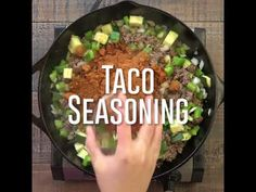 One Pot Cheesy Taco Skillet - Mexican Taco Skillet Low Carb Tacos Cheap Meals For Two, Quick Cheap Meals, Cooking For A Crowd, Cooking On A Budget, Low Carb Recipes, Diet Recipes, Healthy Recipes, Cheesy Taco Skillet Recipe, Low Budget Meals