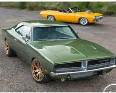 Photo Plymouth Muscle Cars, Amazing Cars, Awesome, Super Sport Cars, Hot Rides, Us Cars, American Muscle Cars, Dodge Charger, Chevrolet Camaro