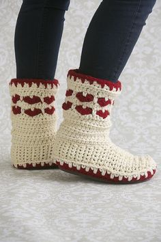 Red and white knit slipper boots adorned with hearts . . . gorgeous and warm!