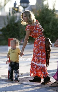 Elsa Pataky turns heads in vibrant bohemian dress with kids in Madrid Elsa Pataky, Bohemian Girls, Bohemian Outfit, Bohemian Skirt, Bohemian Clothing, Bohemian Gypsy, Crochet Wedding Dresses, Long Skirt Outfits, Hippie Outfits