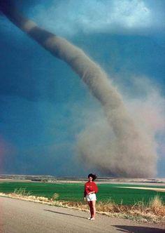 Cerca del tornado