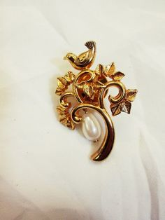 The Best Brooches @ Thrifty Beatnik collection on eBay!