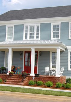 Exterior Paint Colors - You want a fresh new look for exterior of your home? Get inspired for your next exterior painting project with our color gallery. All About Best Home Exterior Paint Color Ideas Exterior House Colors Combinations, Exterior Paint Schemes, Exterior Paint Colors For House, House Color Schemes, Paint Colors For Home, Exterior Colors, Paint Combinations, Colonial House Exteriors, Colonial Exterior