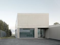 Image 3 of 20 from gallery of Villa M / Niklaus Graber + Christoph Steiger Architekten. Photograph by Dominique M.Wehrli