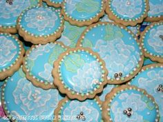 Brush Embroidery Iced Sugar cookies... I can't wait to try this!
