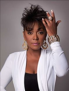 Anita Baker R&B/soul jazz singer-songwriter. Her rich and entirely distinctive a. - coffee and photos Divas, Music Icon, Soul Music, Indie Music, My Music, Beautiful Black Women, Beautiful People, Amazing Women, Photo Star