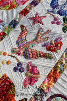 Flower Pots by Kim McLean, quilted by Judi Madsen