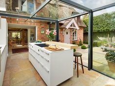 Quaint English Cottage Will get a Fashionable Kitchen Addition - Fres.- Quaint English Cottage Will get a Fashionable Kitchen Addition - Küchen Design, House Design, Design Ideas, Interior Design, Conservatory Kitchen, Cottage Extension, Glass Extension, Extension Ideas, English Country Decor